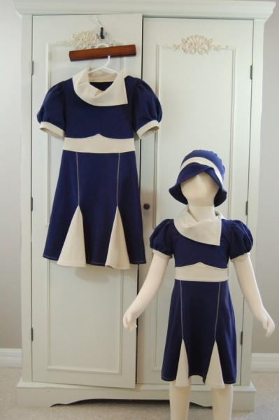 2T 1940&#039;s Inspired Dress and Hat set in Navy and Cream