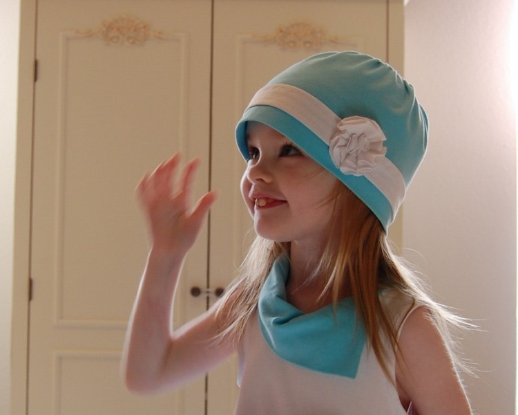Cloche hat, aqua and white, stretch jersey knit