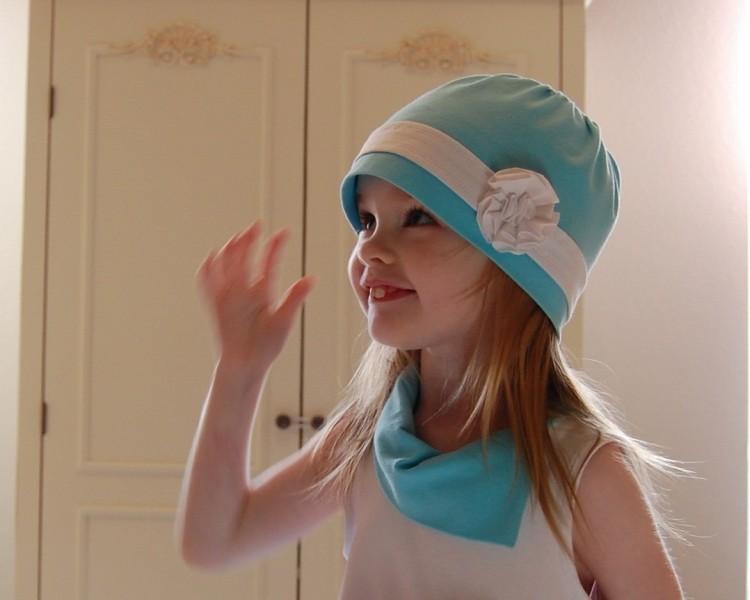 Cloche hat, aqua and white, stretch jersey knit